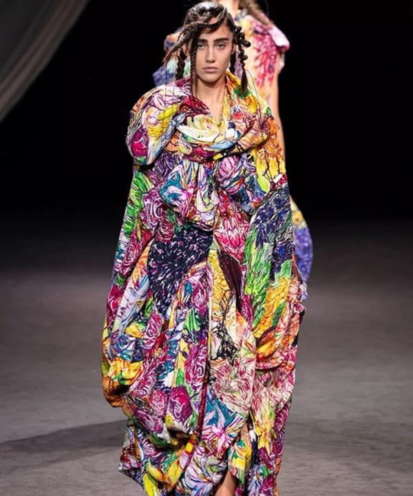 2020年春夏时装周  感受时尚的精神冲击